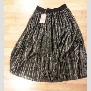 Moon river crushed velvet pleated skirt